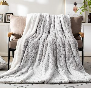 DaDa Bedding Collection Luxury Throw Blanket